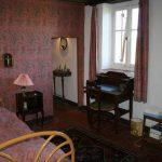 """Chambre """"Les Champs"""" avec lit simple et lavabo"""